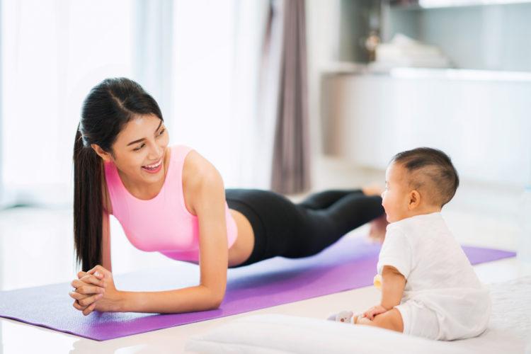 Bật mí 4 bí quyết giúp giảm mỡ bụng sau sinh.